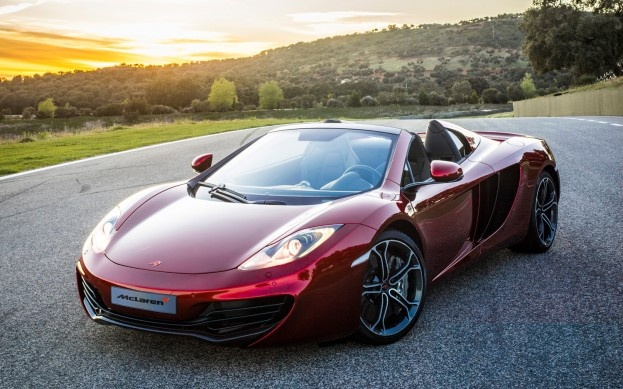 2013 McLaren 12C Spider front three quarter static