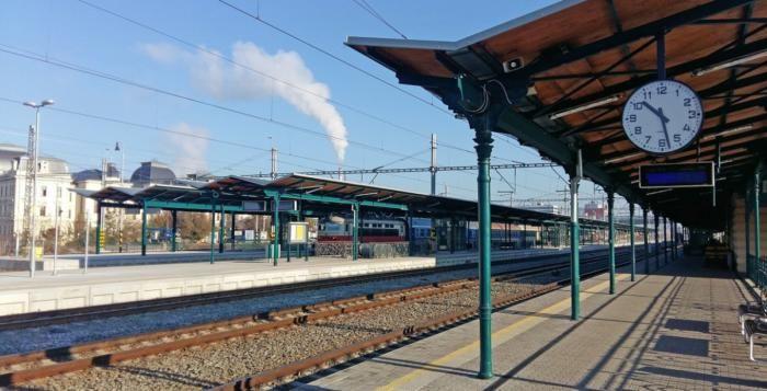 Hlavní nádraží v Plzni hostí výstavu Stavba roku Plzeňského kraje
