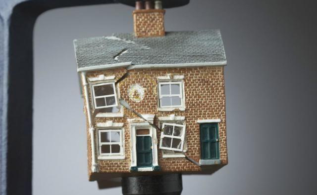 ¿Cómo reclamar los desperfectos y vicios ocultos en la compra de una vivienda de segunda mano?