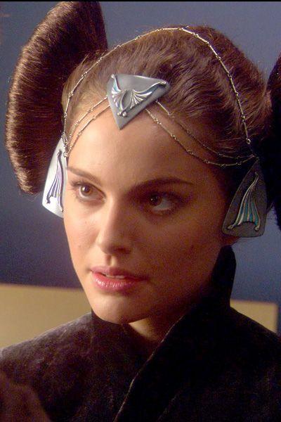 Star Wars Episode II. Senator Padmé Amidala (Natalie Portman). Coruscant 'packing' dress. Detail of hair ornaments.