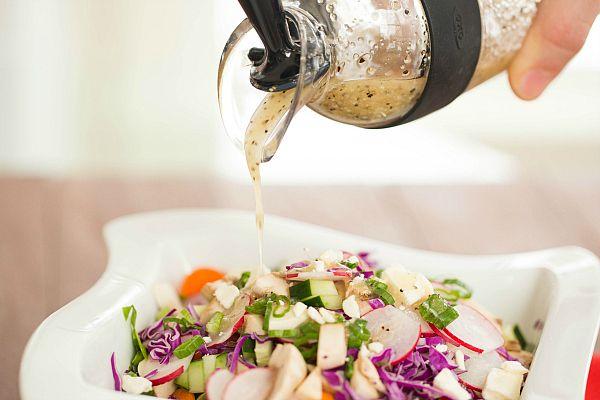 Avis à tous les amateurs de salade! Vos salades ne seront plus jamais les mêmes lorsque vous aurez goûté à l'une de ces vinaigrettes; dites adieu aux bouteilles de vinaigrette du marché. Ces recettes sont …