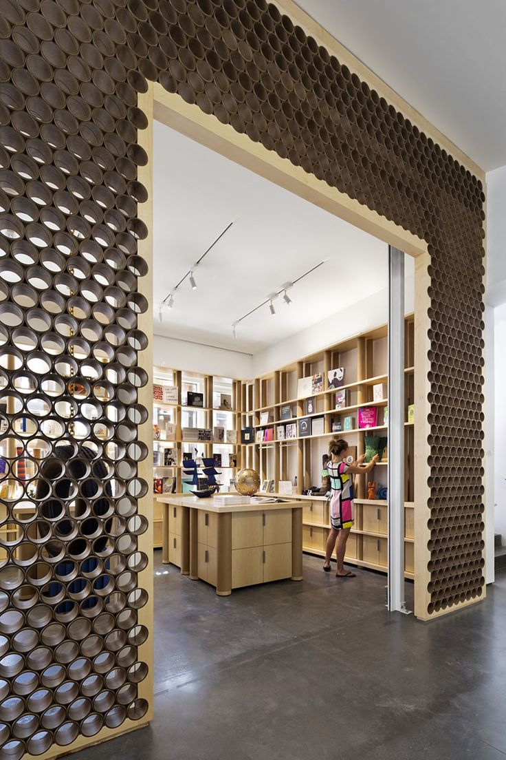 Wall made of mailing tubes