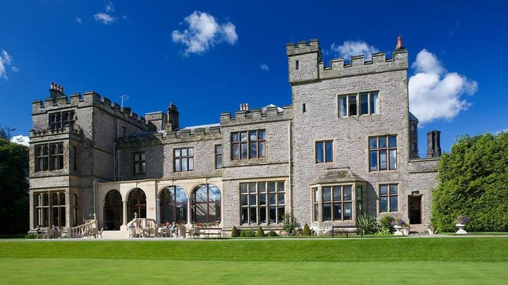 Get #Modern #Amenities And #Environment Like Home In #Windermere #Hotels - Windermere is a big lake situated in Columbia's Lake District National Park, northwest England. The lake is surrounded by mountain peaks and villages. Windermere and the adjacent area is the most popular and famous place in the Lake District.