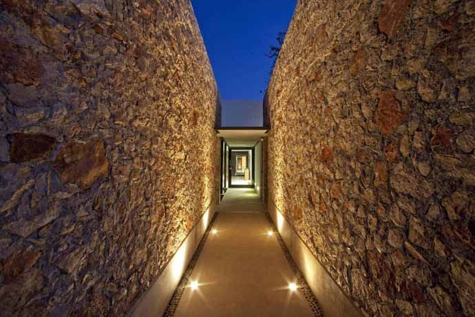Contemporary Gershenson House by Roman Gonzalez JaramilloDesignRulz15 May 2013Mexican architect Roman Gonzalez Jaramillo of Taller de Construccion has designed the Gershenson House, a single story contempora... Architecture