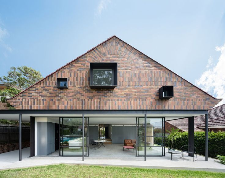 In a suburb in Sydney, Australia, TRIBE STUDIO gave a 1930s original brick bungalow a modern upgrade and extension to better suit the needs of the family living there.