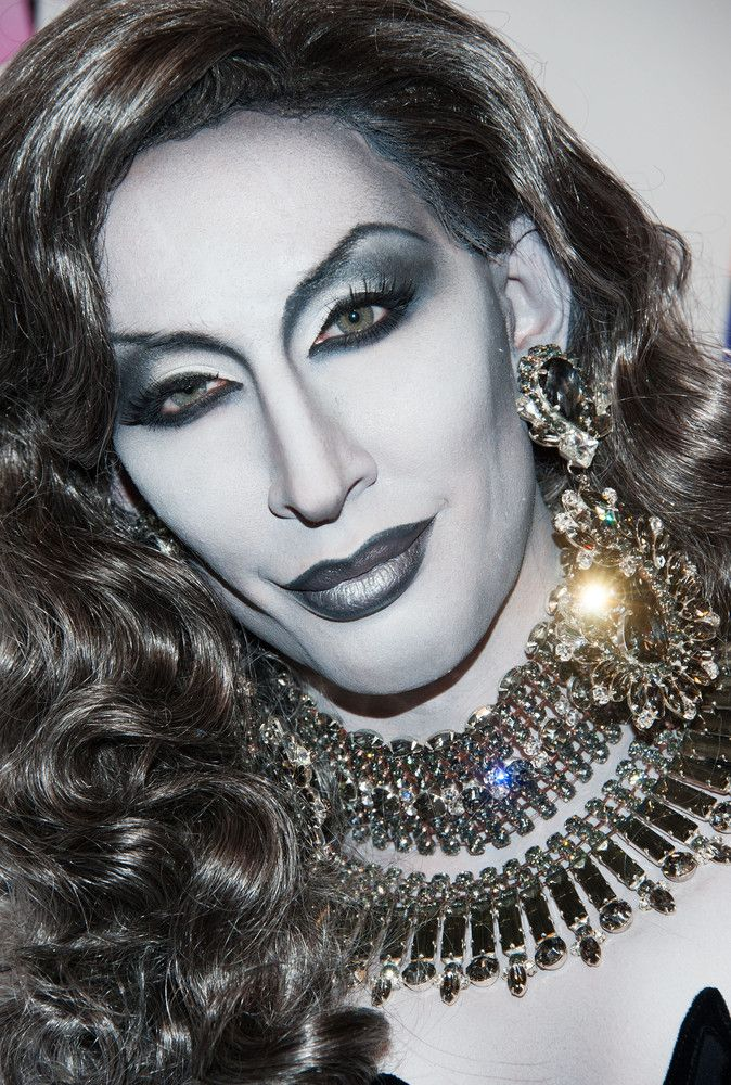 Totally awesome makeup in Black and white !!! Love Love Love    RuPauls Drag Race Illusion: Drag Queen Detox Paints Body To Look Like Black And White Photo (PHOTOS)