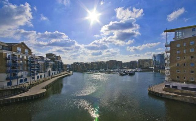 Who would love to live here? London Riverside. 4 Beds Townhouse. £950pw contact@thamespropertymanagement.com