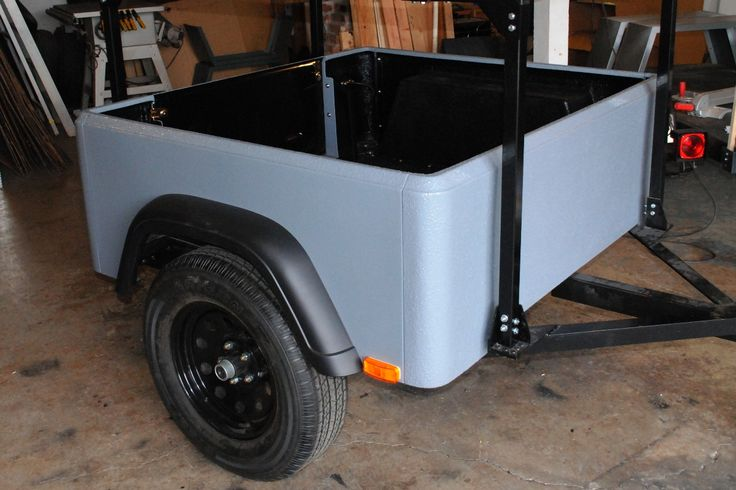 Flares and tailgate are now on my demo Dinoot Jeep Trailer, working on the lights.