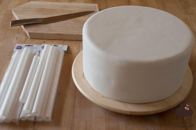 Mehrstöckige Torten Stapeln Schritt (1 von 16)