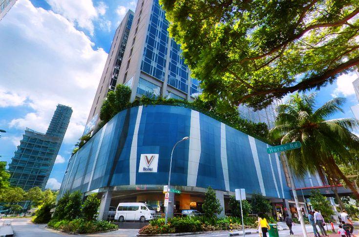 V Hotel Lavender - Singapore merupakan hotel yang cukup favorit terutama bagi yang ingin menginap di hotel berbintang dengan harga yang tidak terlalu mahal. Lokasinya sangat strategis, dengan pusat perbelanjaan. Fasilitas yang tersedia juga tentunya sangat representatif.