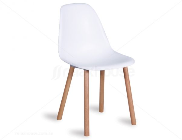 Relax House chair combining elements of two modern classics into something new