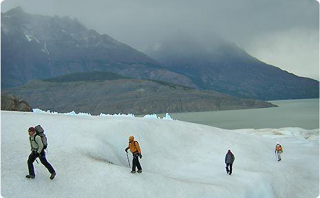 Trekking y escalada en el glaciar Grey