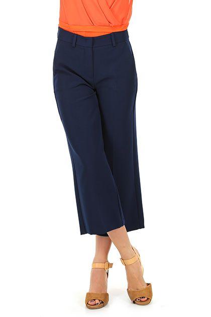Hanita - Pantaloni - Abbigliamento - pantaloni al polpaccio, con tasche laterali ed a filetto sul retro.  La nostra modella indossa la taglia /EU 40. - BLU - € 115.00