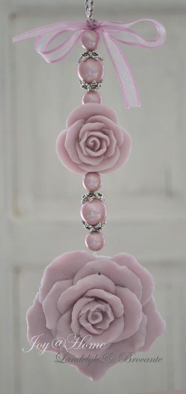 Zeepketting, zeeprozen  vintage roze
