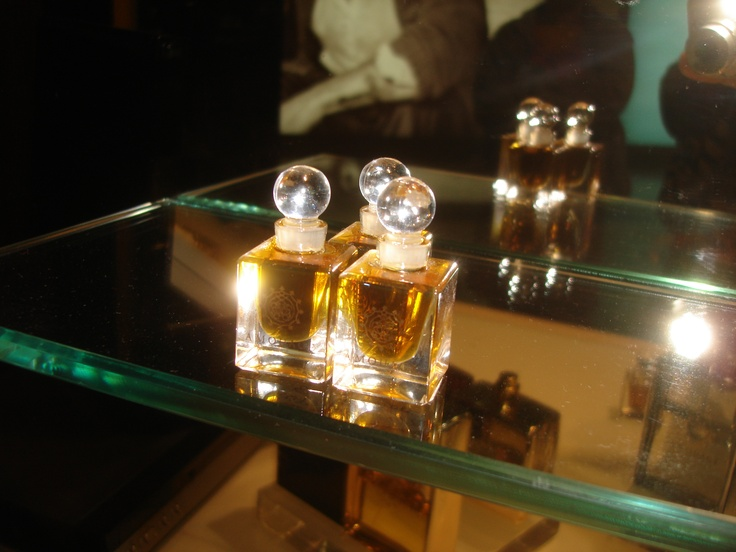 Exclusive Amouage Attar perfumes from Oman - considered to be the best of the best.  Amouage Attars:  Tribute  Homage  Al Mas  Salamah  Al Andalus  Asar  Ayoon Maha  Badr Badour  Silver Oud  and more  http://perfume.zahras.com  info@zahras.com