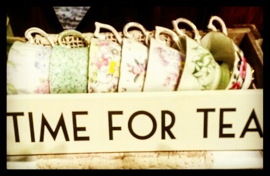 Tea time. Love vintage. #vintage #vintagestyle #vintagehome #constancewallace #teashop #theteashop #barntgreen #china #vintagecutlery #timefortea #weddingcatering #pretty #vintagechina #creative