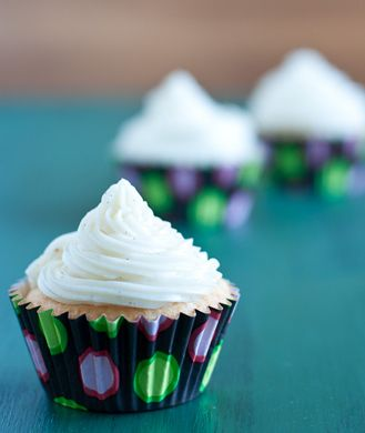 The Best Healthy Cupcakes We've Ever Seen! The chocolate cupcakes look like a winner :)