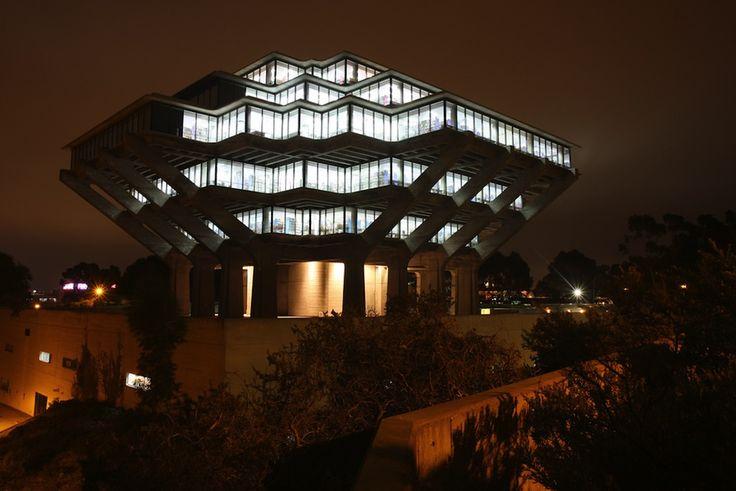Luoghi ove nascere e morire: le 35 biblioteche più belle al mondo