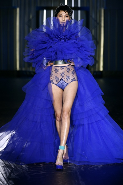 Amazing blue dress by Andres Sarda