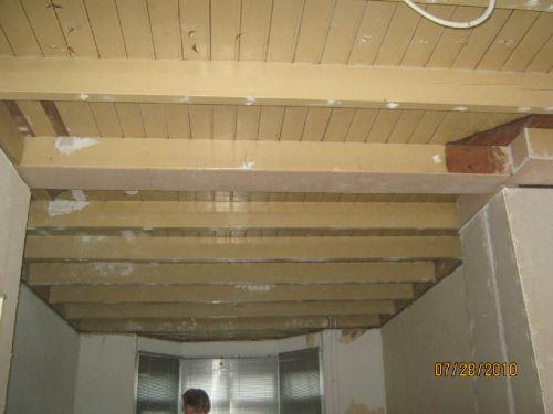 Meer dan 1000 idee n over houten balken plafond op pinterest blokhut inrichting baksteen - Houten balkenplafond ...