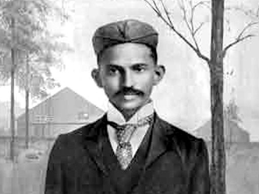 a biography of mohandas k gandhi a hero of india Updated march 5, 2009 mohandas k gandhi was a hindu leader in india's quest for independence from britain and was a prime apostle of nonviolence.