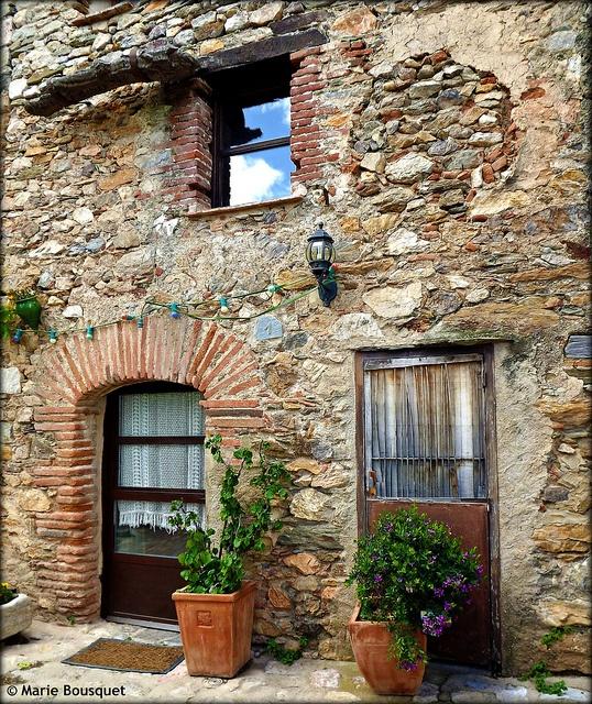 Castelnou, Languedoc-Roussillon