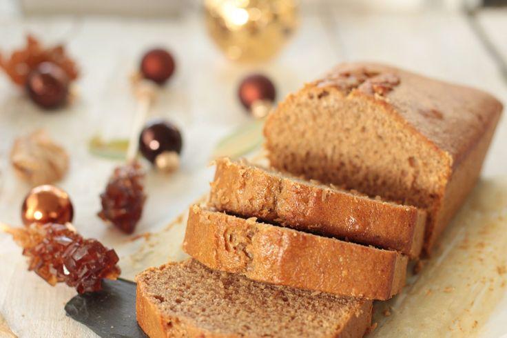 Le mois de décembre ne saurai être complet sans un pain d'épices, son lot de chocolats, ses desserts de fête et ses sablés de Noël. Je n'ai longtemps connu que le pain d'épices du commerce que j'appréciais déjà beaucoup. Jusqu'à ce qu'il m'ait été donné de goûter à du «vrai» pain d'épice, réalisé par un artisan, surun marché. Finalement, le pain d'épices trouvé en grande surface n'a rien d'un pain d'épices, hormis le nom. La texture ne s'en rapproche pas et le goût est à mille lieux de…