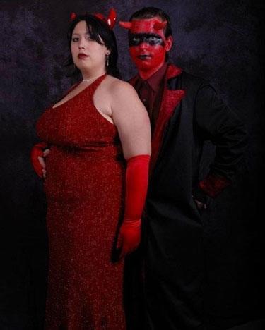 funny prom pics | 25 Most Awkward Prom Photos | SMOSH
