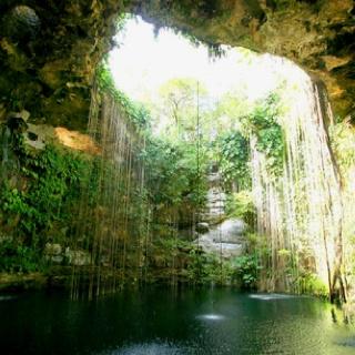 Chitchat Itza - Cenote Mexico