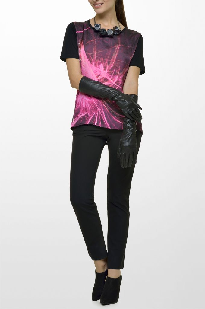 Sarah Lawrence - short sleeve top with combination of two fabrics, cropped city pant.
