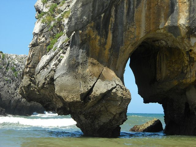 Playa Cuevas de Mar, Llanes - Asturias (Spain) by ocioasturias.com, via Flickr