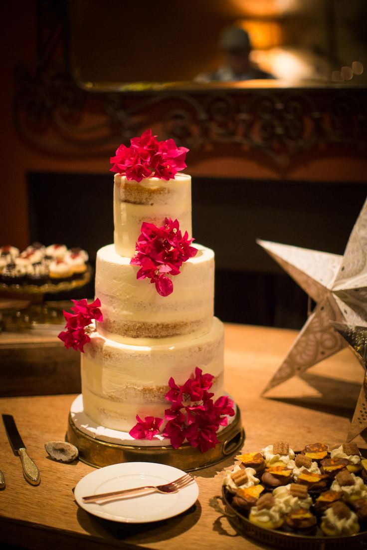 wedding cakes los angeles prices%0A Los Angeles Wedding and Event Coordinator  Designer and Florist   Southern  California and beyond