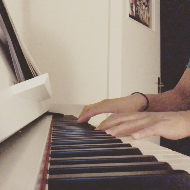 NEW SONG in progress! Who knows this song? ������ * * * @_piano_music_ #epiano #piano #sheets #kdrama #stairwaytoheaven #imissyou #i #miss #you #romantic #romance #sad #song #yamaha @yamahamusicusa #�� #love #theme #dusseldorf http://butimag.com/ipost/1557585099818522981/?code=BWdp2VWH9ll