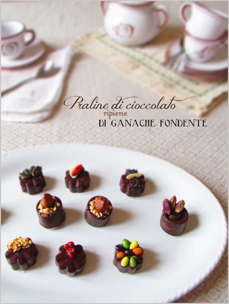 Praline al cioccolato ripiene di ganache fondente