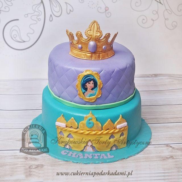 56BD. Tort z koroną i księżniczką Jasmine z bajki Aladyn.Princess Jasmine cake with a crown.