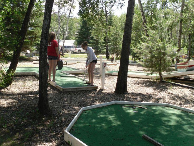 Mini golf at Lucien Lake #lucienlake #minigolf #lakefun #prairiesedge #saskparks #regionalpark