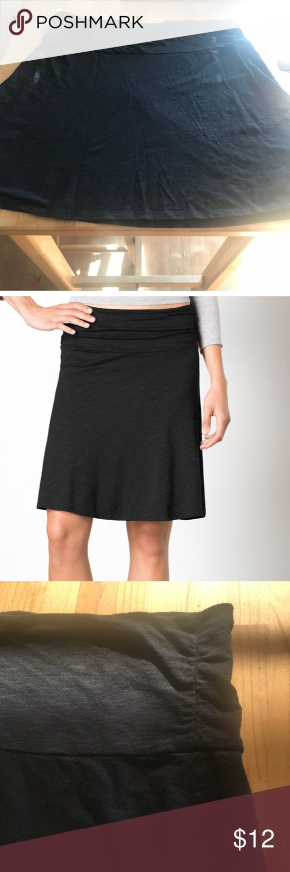 """Perfect Little Black Skirt for Everyday Toad & Co skirt is a mix of cotton, tencel & spandex. This skirt is super comfortable & hangs easily with a slight A-line cut.  It rests just above the knees. The waistband is 4"""" & can be scrunched for various looks. The waistband has give but isn't elastic. There is a vertical seam on either side of the skirt.  Mini stash pocket inside the waistband.  This skirt is comfortable enough to hike in & cute enough to wear out for dinner post hike.  I wore…"""