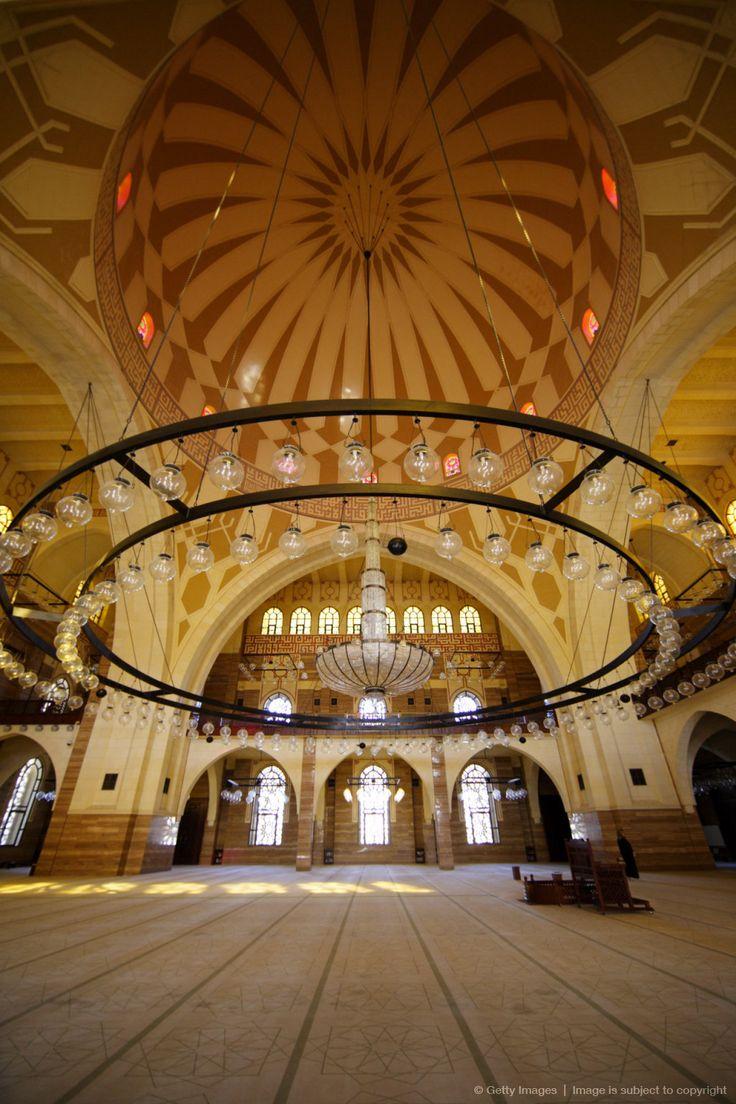 Ornate chandelier inside Al-Fatih-Mosque in Manama, Bahrain, Kingdom of Bahrain, United Arab Emirates