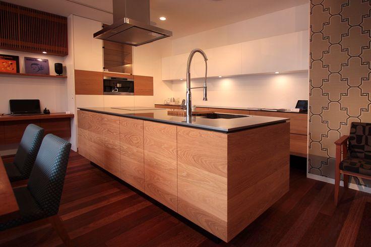 アイランドキッチン   神戸のオーダー家具【kanna】テレビボード・テーブル・キッチン等をあなた好みに提案する家具屋