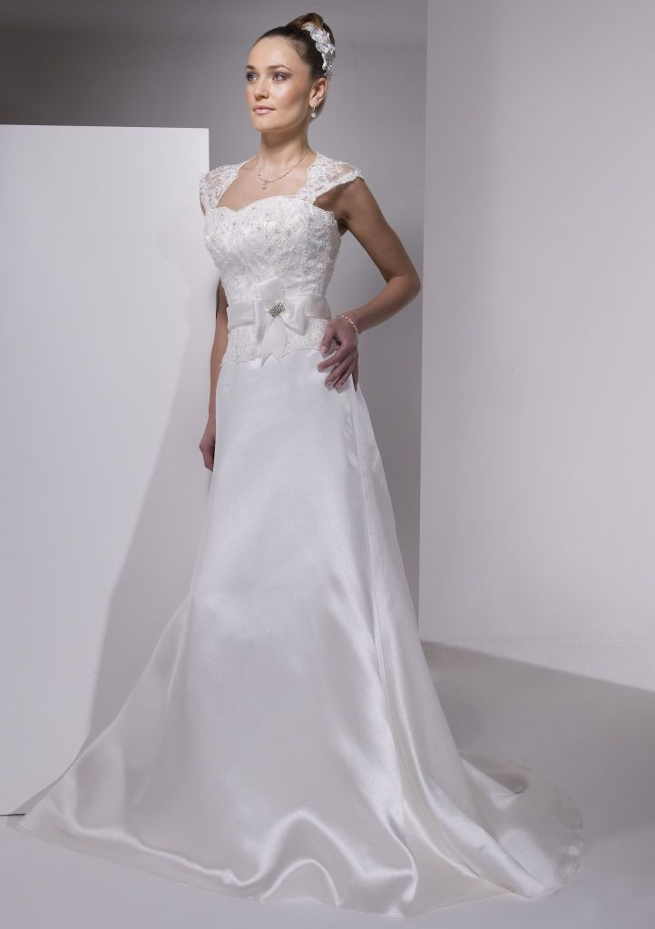A Line Wedding Dress with simple lines and gorgeous detail, from Finesse Bridal Wear in Listowel, Co Kerry #SimpleWedding