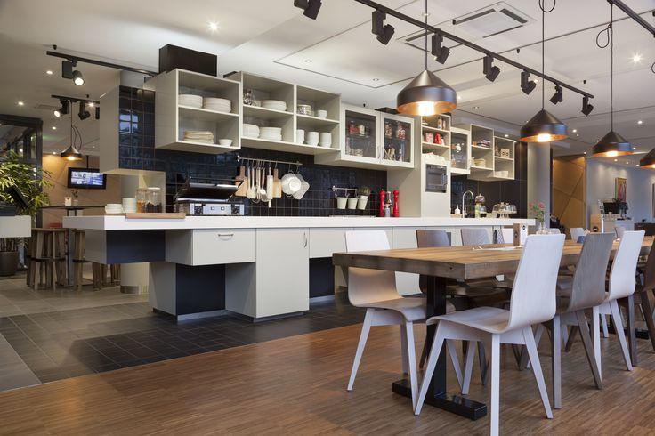 Interior design NH Hotel Amsterdam; design by Ninetynine #bar #tiles #cube