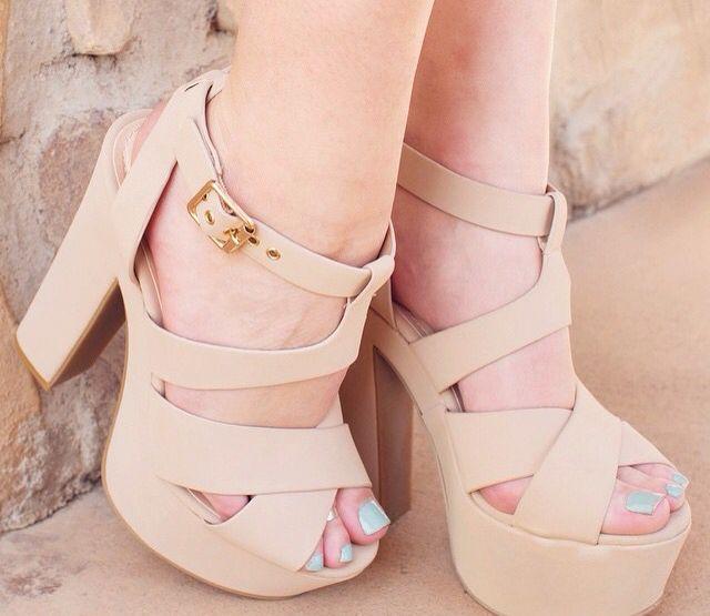 Zapatos Dafi, Lindos Zapatos, Zapatillas Bonitas, Zapatos Altos, Mejores Tacones, Los Tacones, Tacones Nude, Zapatos De Tacon Grueso, Zapatos De Tacon