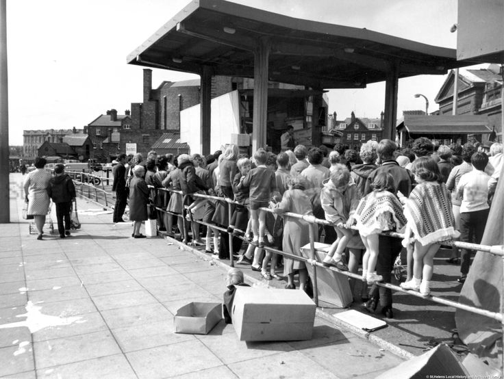 Sep 1970 Photograph of Dave's (Marshall) stall from Chalon Way, St.Helen. Windle Pilks Sch in background. Tray. SBT/1/17
