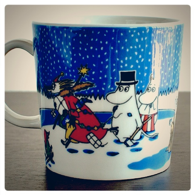 "Moomin mug ""Christmas"". Rare edition sold in 2004 and 2005. Mug nr. 28. This is the back side."