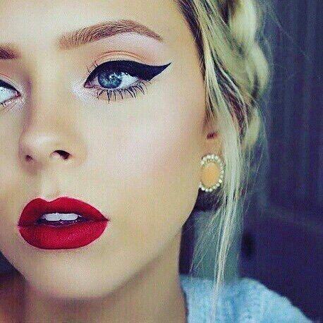 Gorgeous classic makeup