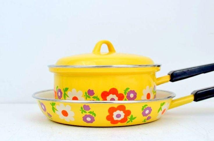 Vintage Enamel Yellow Flower Power Pans.
