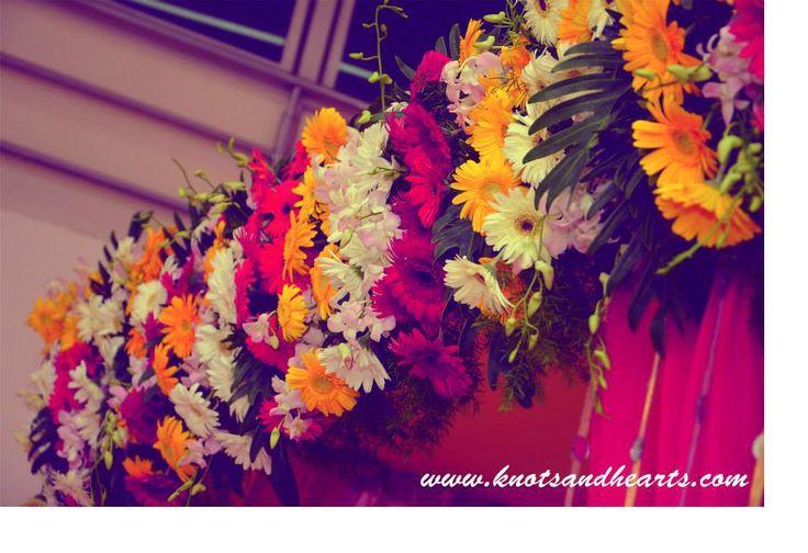 #knotsandhearts | Jatin & Nidhi | Mandap for Mata Ki Chowki at the Groom's House! #Sindhi #Wedding