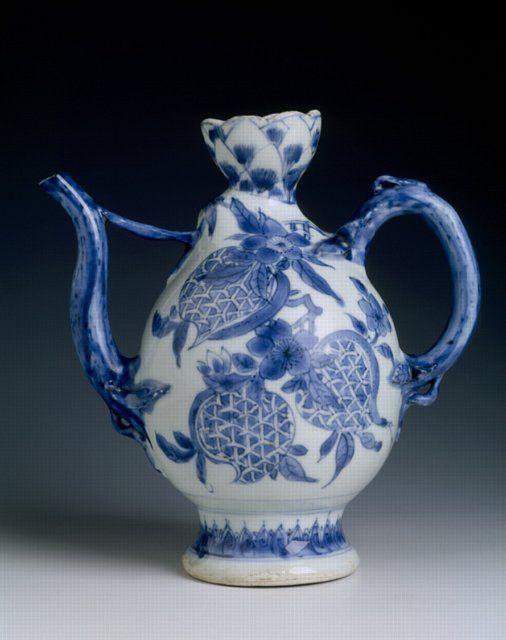 RP: Chinese porcelain ewer, c. 1640, Chongzhen reign, Ming dynasty