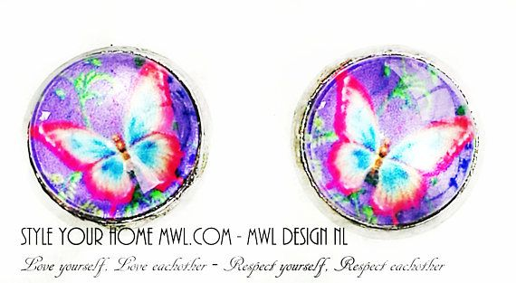Bekijk dit items in mijn Etsy shop https://www.etsy.com/nl/listing/551757005/vlinder-knop-oorbellen-12-mm-mwl-design