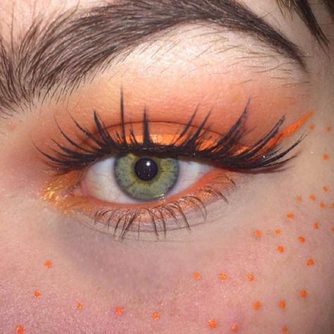 orange on green eyes, freckles follow my insta @artfromva
